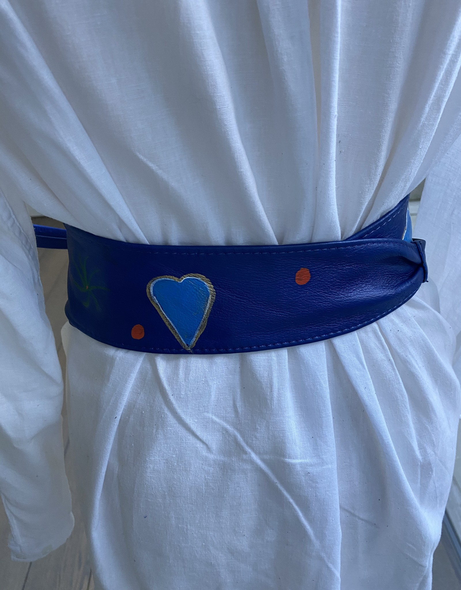 Painted wide belt in leather