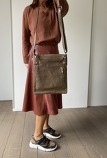 Crossbody leather bag with long shoulder bag with long shoulderbelt
