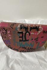 Halfmaan tasje met graffiti
