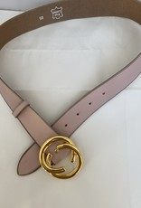 Wide leather belt with golden buckle.