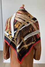 Scarf multicolor with red, camel, orange and black.