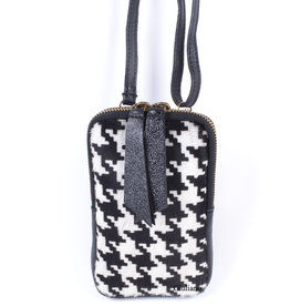 Little bag with leather and skin in houndstooth.