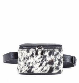 Hipbag in furry black/white print