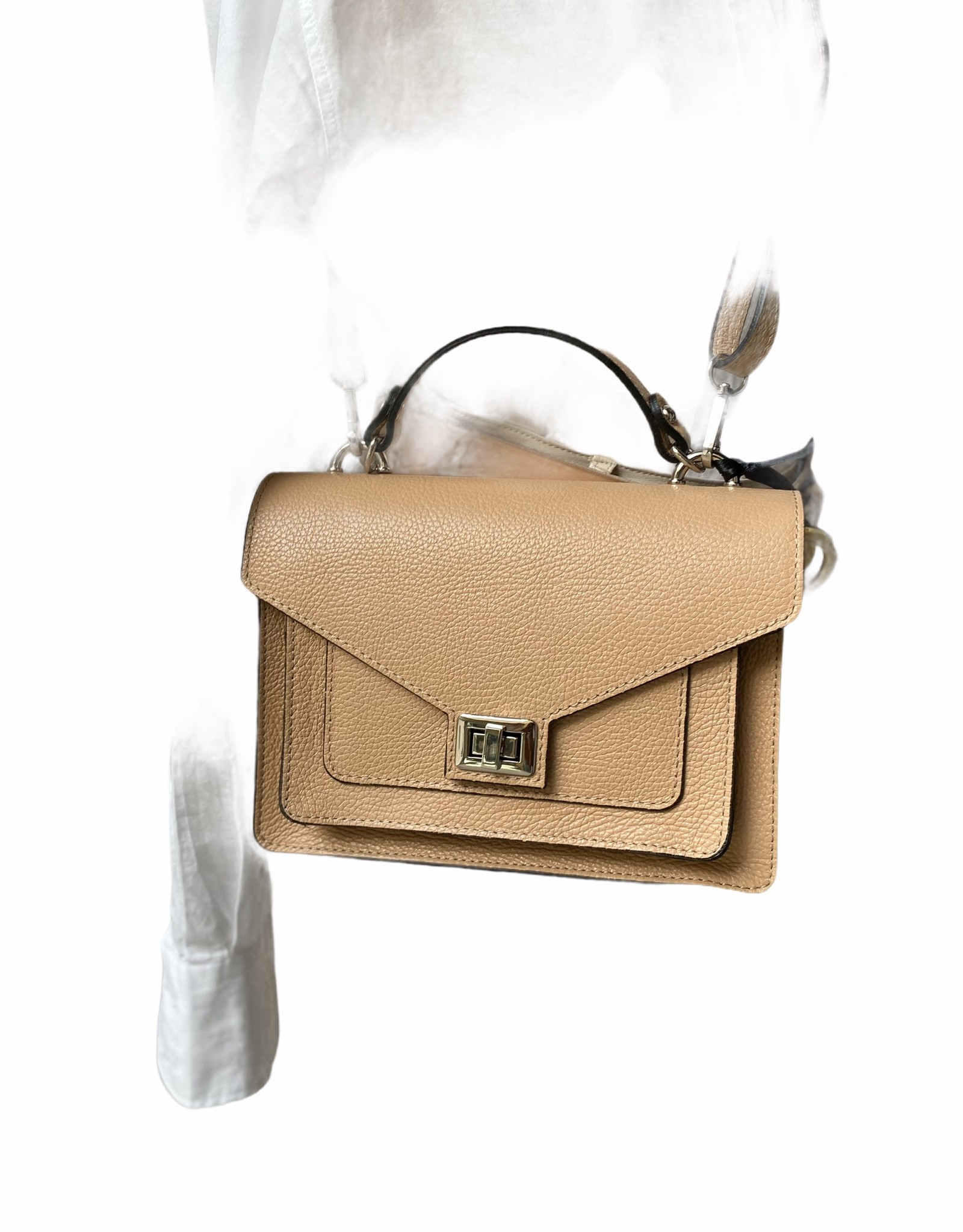 Lederen klassiek tasje met handvat en lange schouderriem in nude kleur