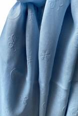 Lichtblauwe katoenen sjaal met ton sur ton bedrukking