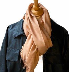 Sjaal katoen , licht camel met dunne franjes.