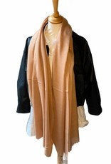 Scarf coton in camel with small fringles.