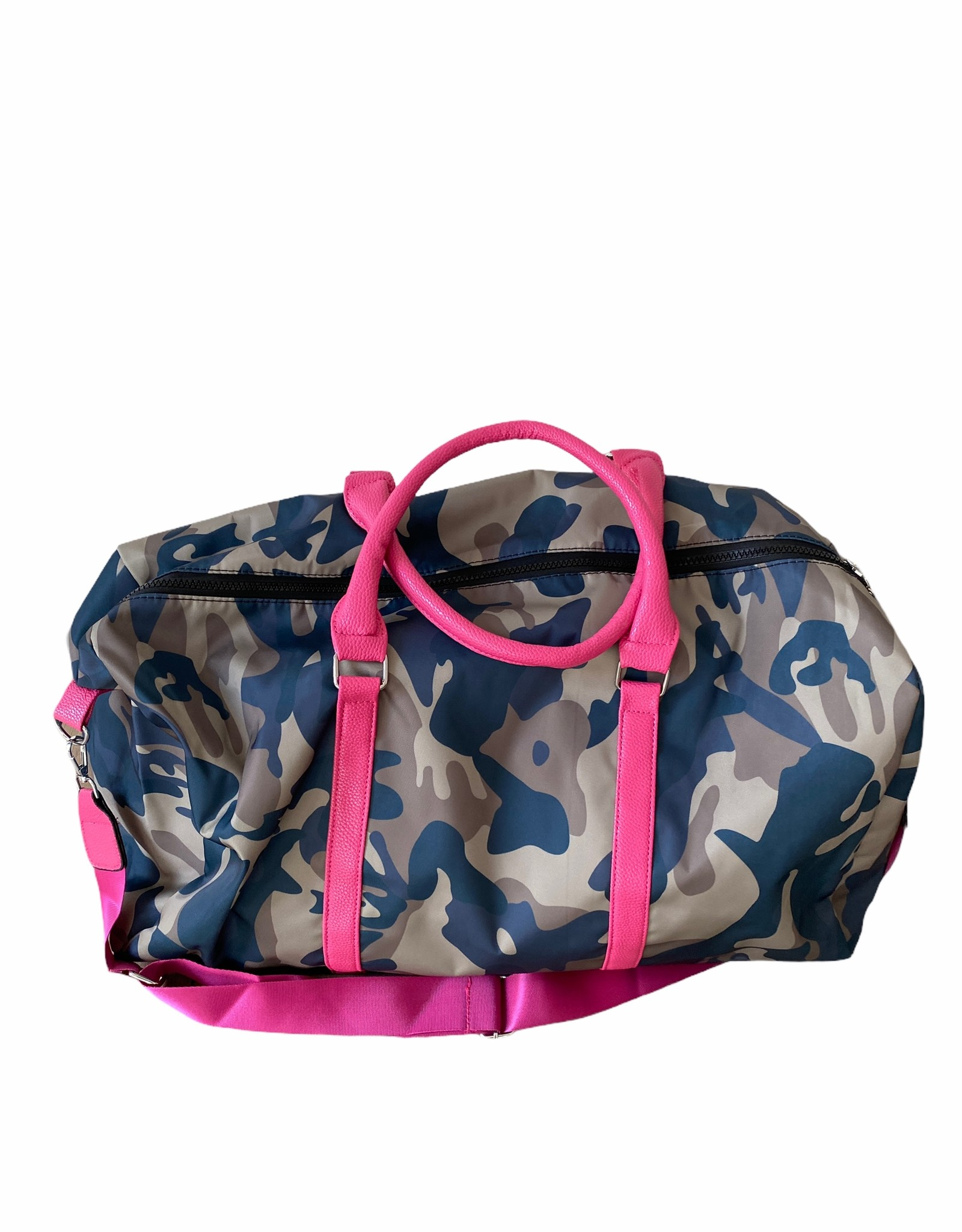 Duffelbag with camouflage fabric.  Handcuffs in artificial leather and long belt in fabric.