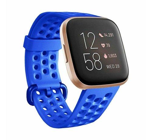 Strap-it® Strap-it® Fitbit Versa siliconen bandje met gaatjes (blauw)