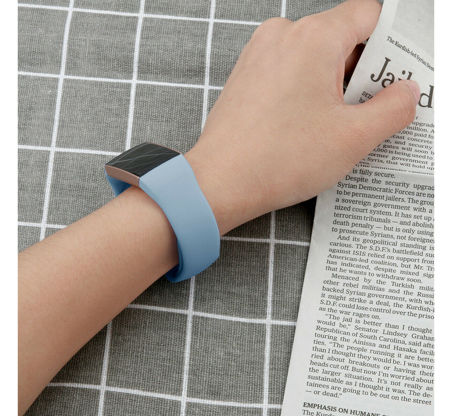 Strap-it® Fitbit Charge 4 sportband (lichtblauw)