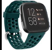Strap-it® Fitbit Versa siliconen bandje met gaatjes (groen)