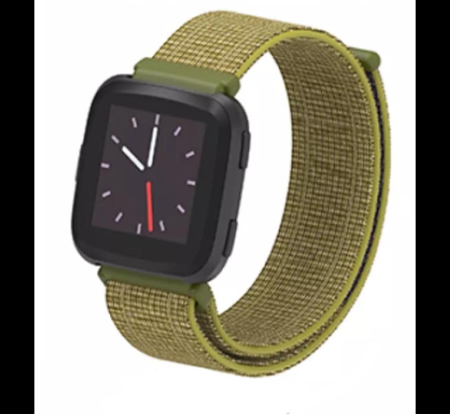 Strap-it® Fitbit Versa nylon bandje (olijf)