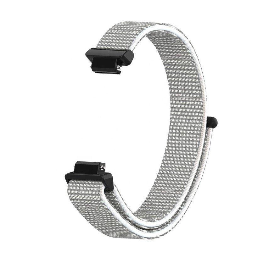 Strap-it® Fitbit Inspire nylon bandje (zeeschelp)