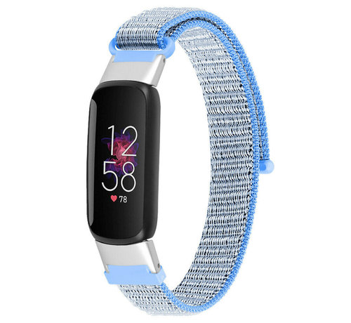 Strap-it® Strap-it® Fitbit Luxe nylon bandje (lichtblauw)