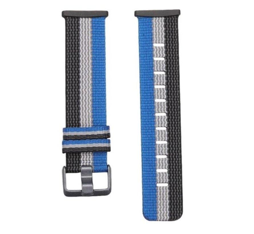 Strap-it® Fitbit Versa 3 geweven nylon gesp band (zwart-wit-blauw)
