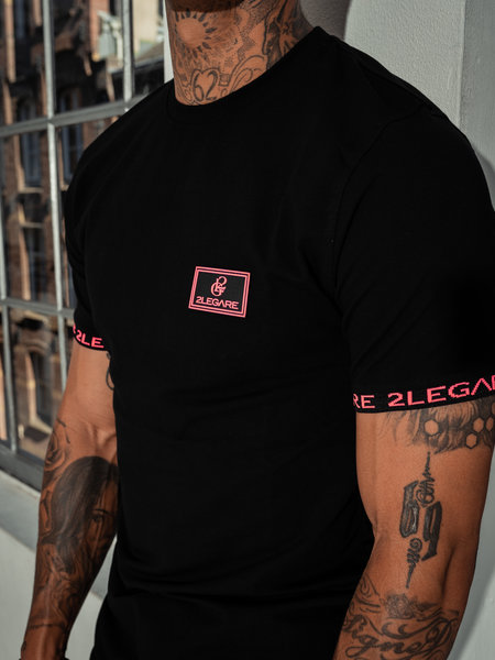 2LEGARE Badge Tee - Black/Neon Pink