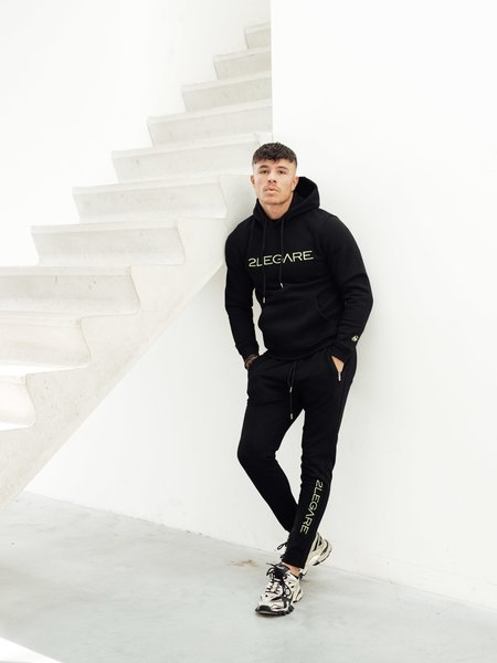 2LEGARE Logo Embroidery Hoodie - Black/Neon Yellow