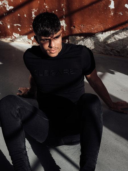 2LEGARE Logo Embroidery T-Shirt - Black/Black