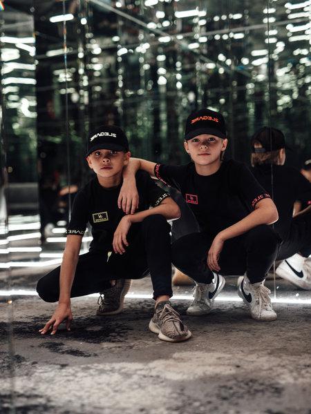 KIDS BADGE TEE - BLACK/NEON GREEN