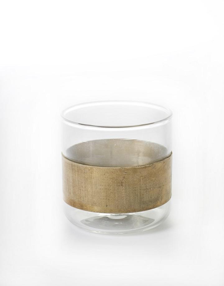Glas met koperen ring