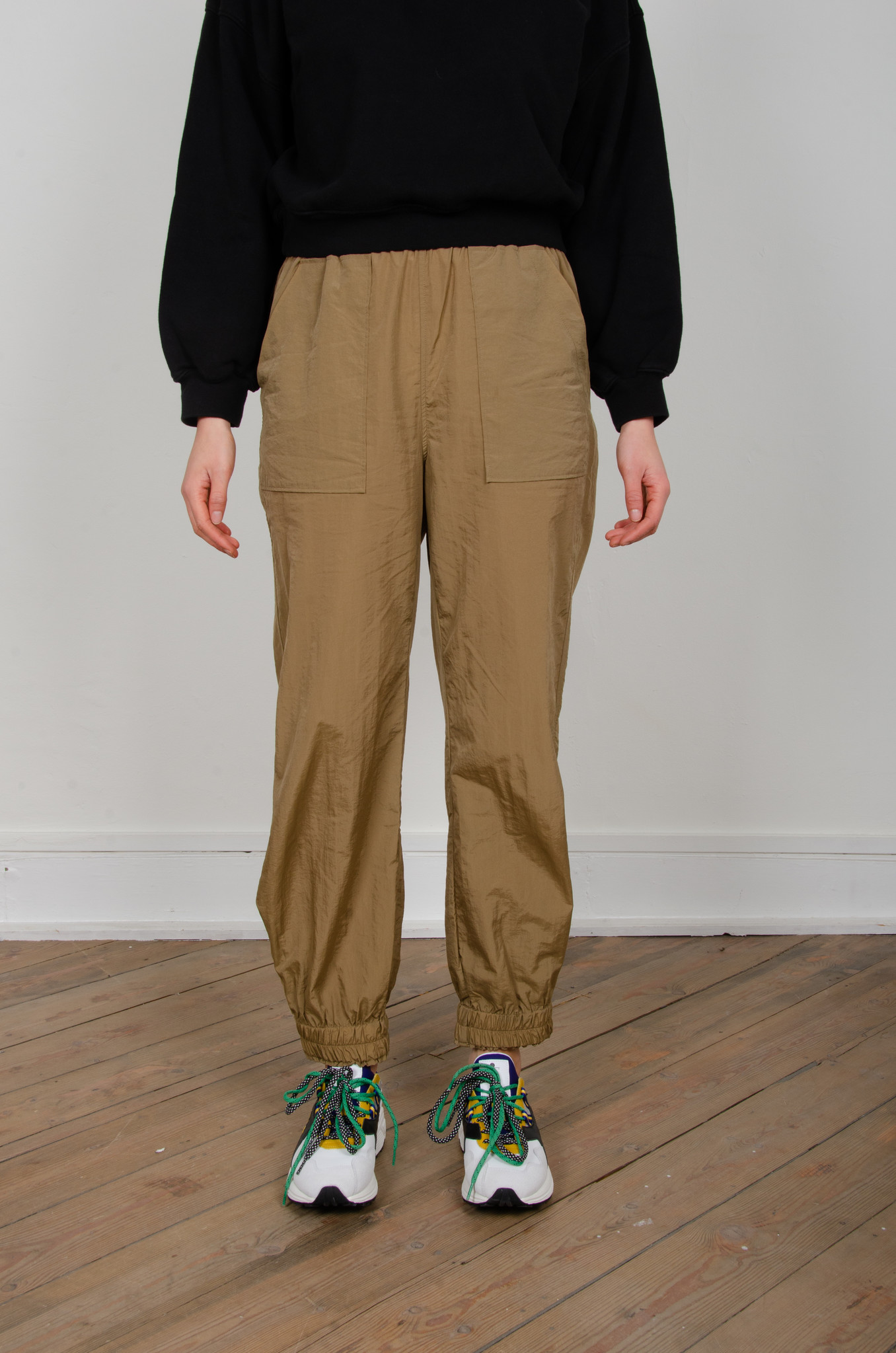 CRINKLED TECH PANTS-3