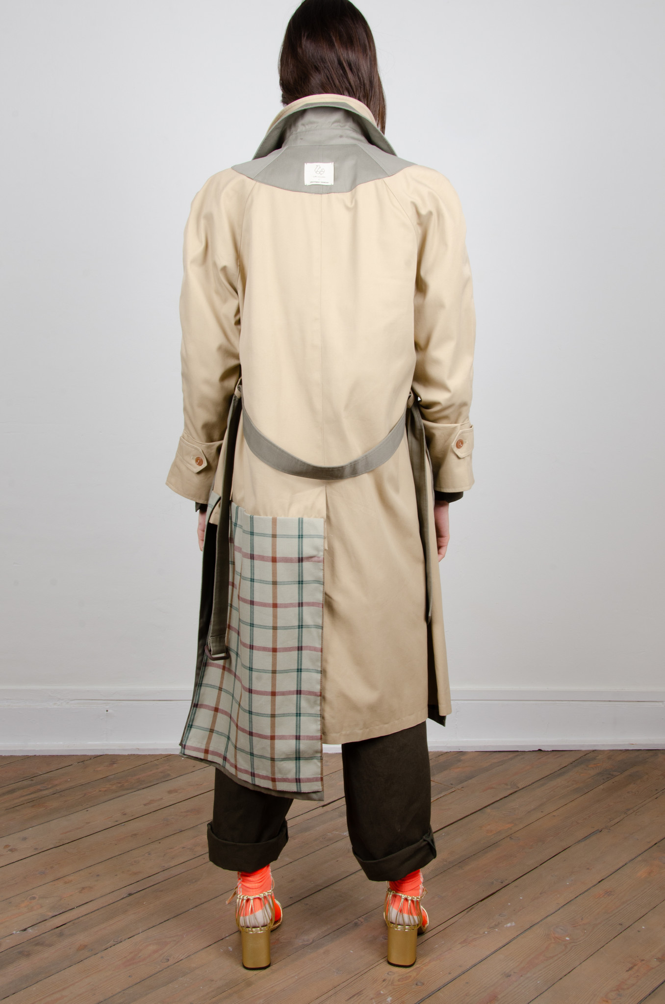 ORAL UPCYCLED TRENCHCOAT-4