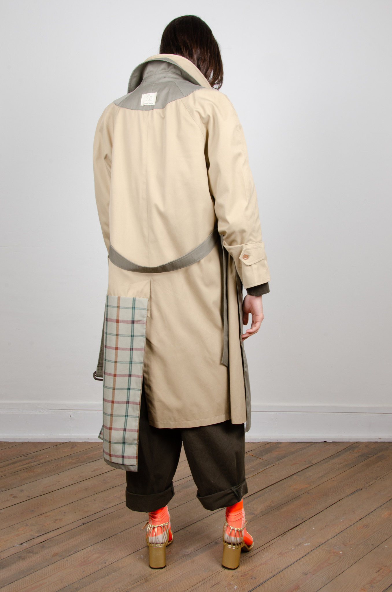 ORAL UPCYCLED TRENCHCOAT-5