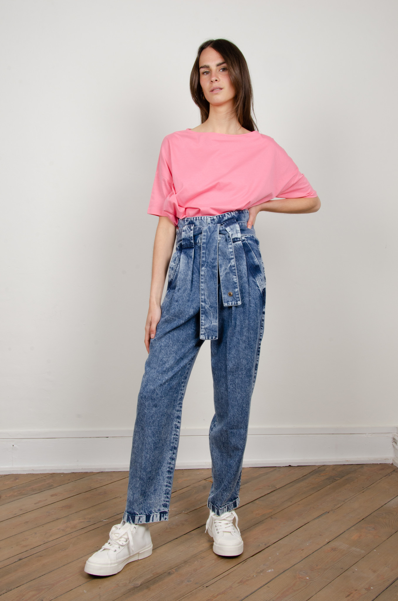 HIGH RISE BELTED LYOCELL JEANS-7