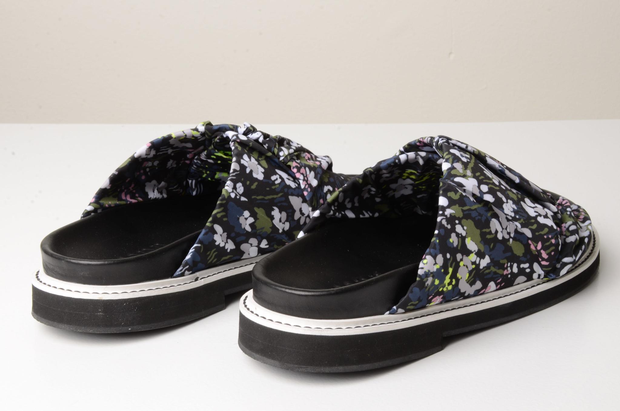 FLOWERED SLIP ONS-4