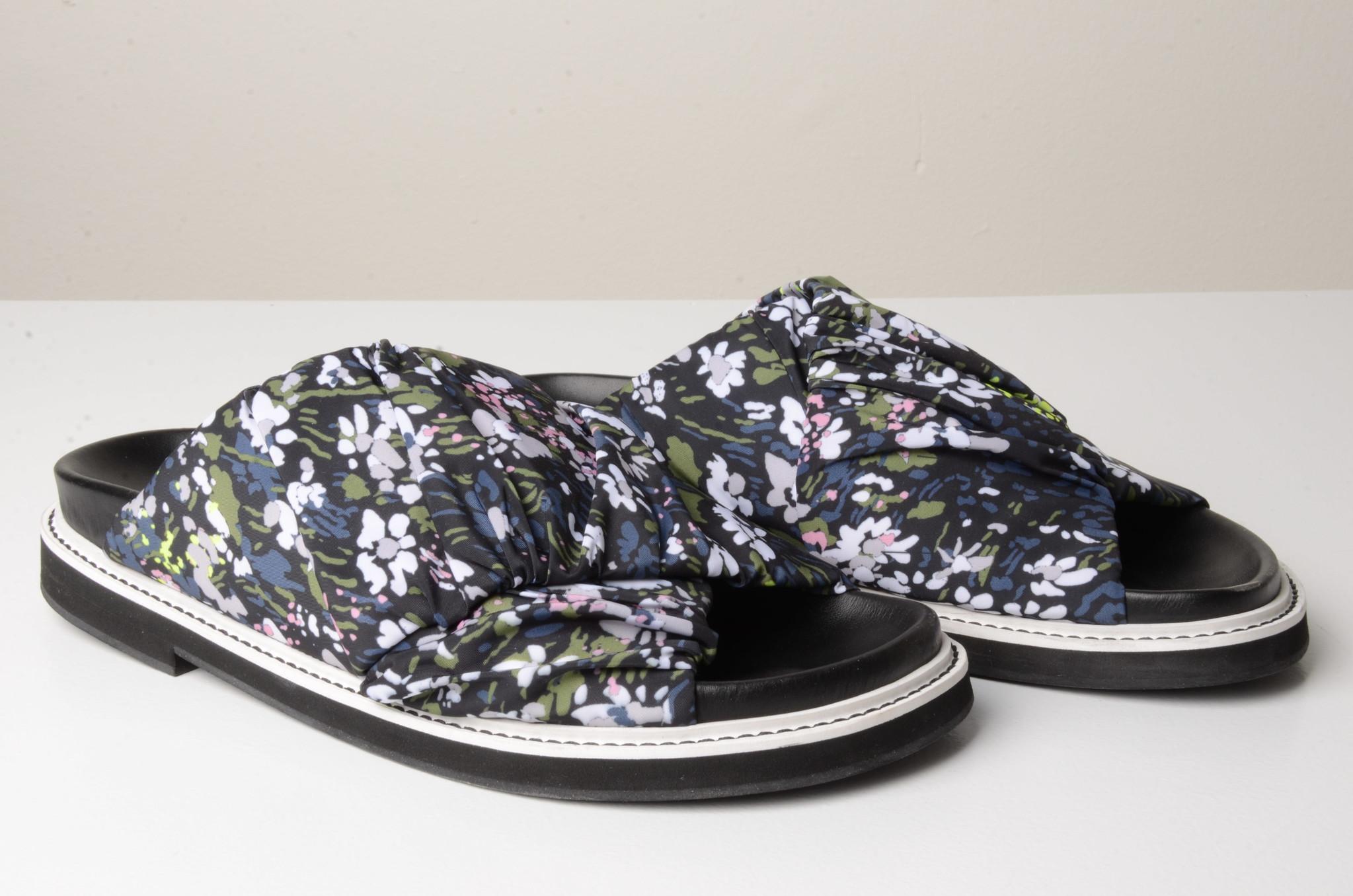 FLOWERED SLIP ONS-5