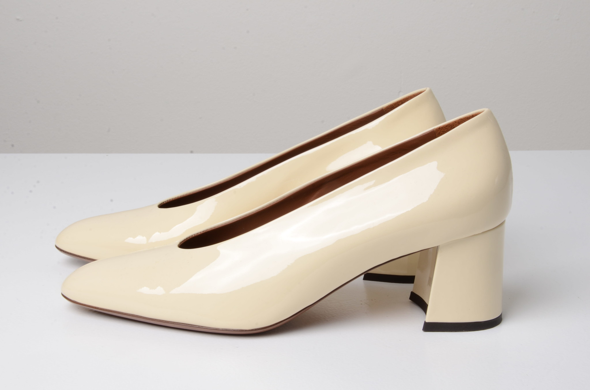 PATENT LEATHER SHOES CREAM-1