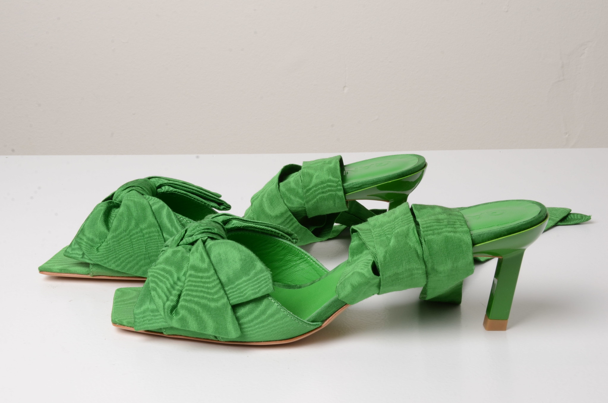 BOW TIE SANDAL GREEN-1