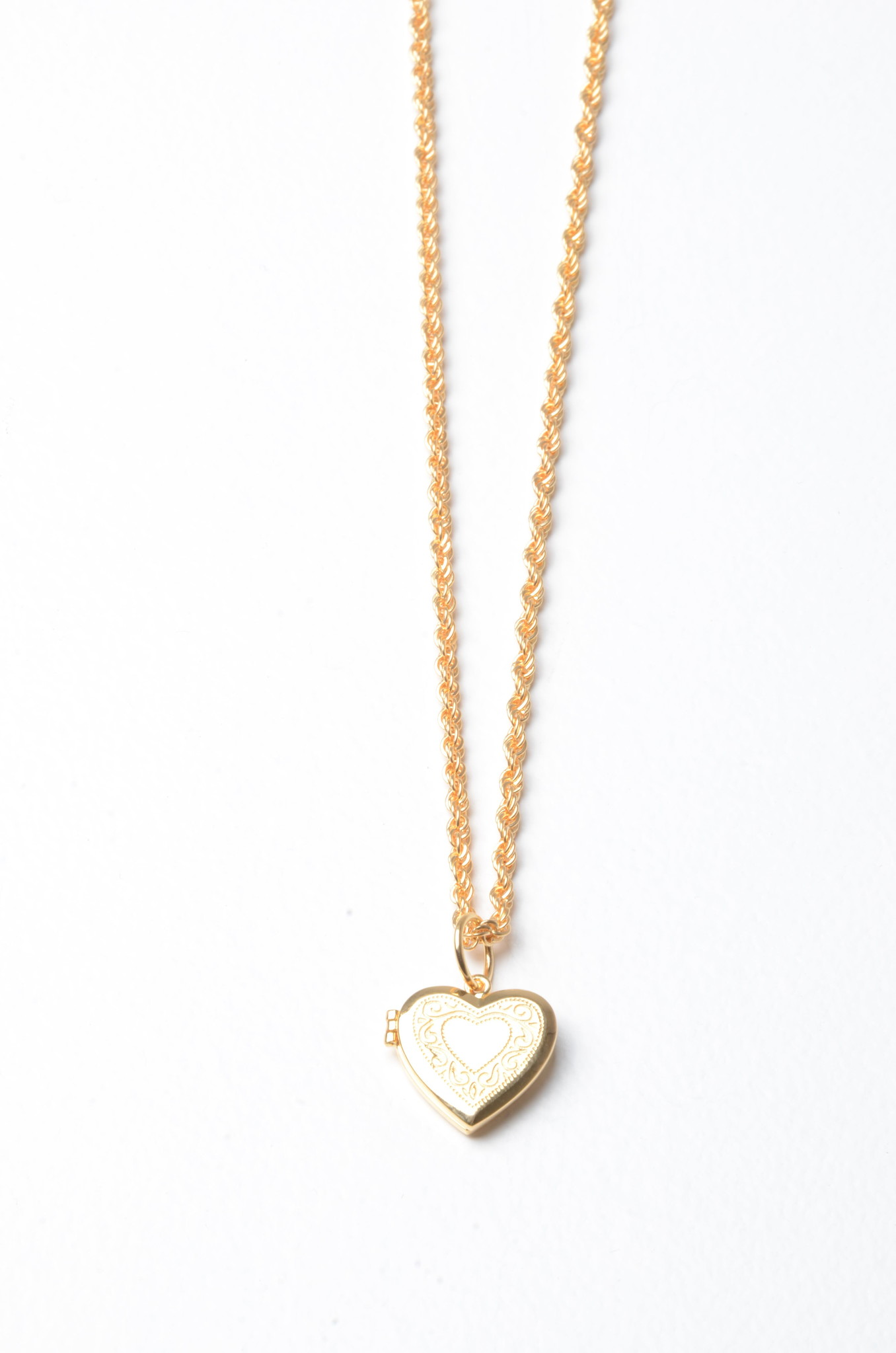HEART LOCKET NECKLACE-1
