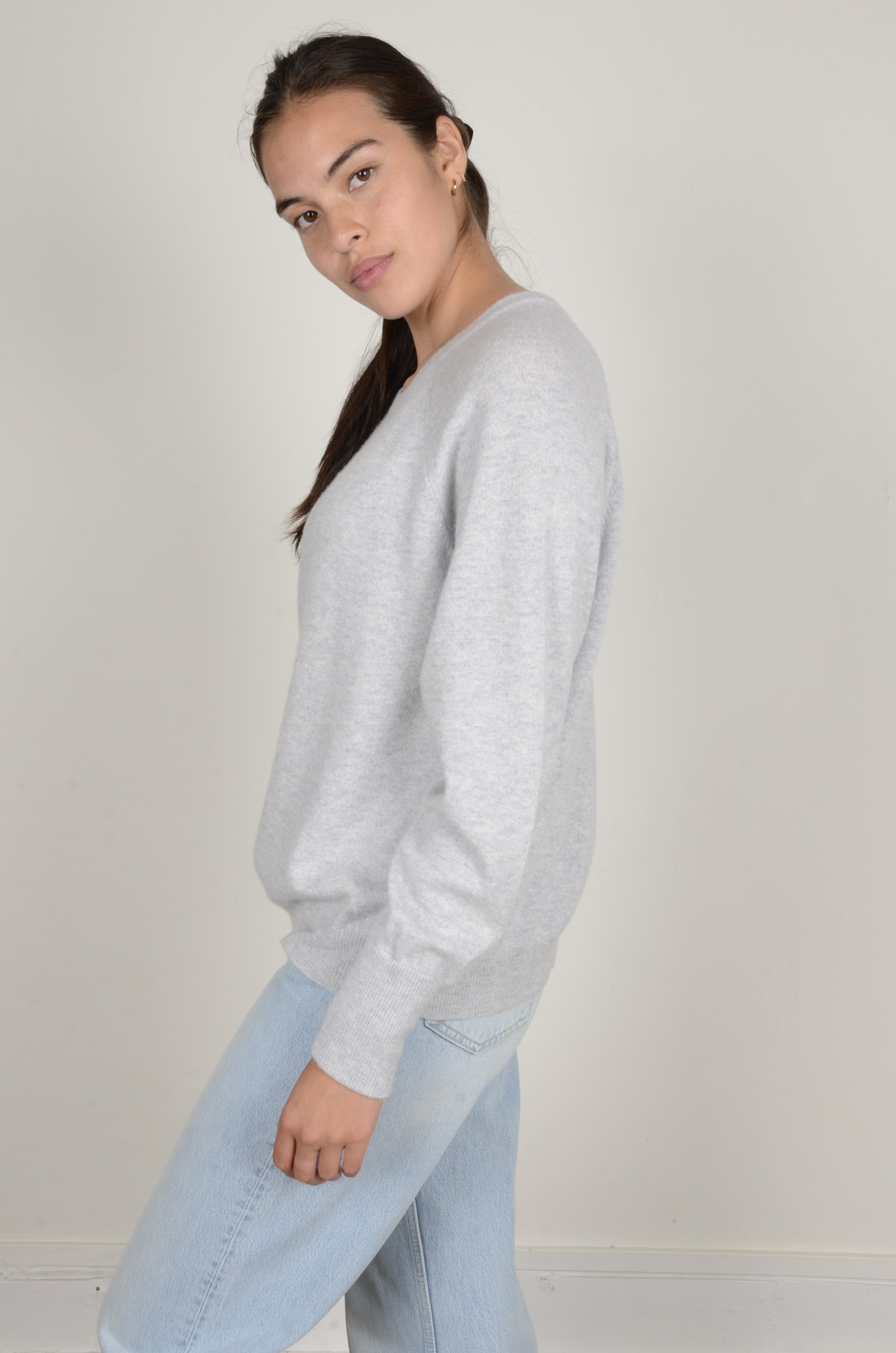 CAROLINA CASHMERE KNIT IN LIGHT GREY-2