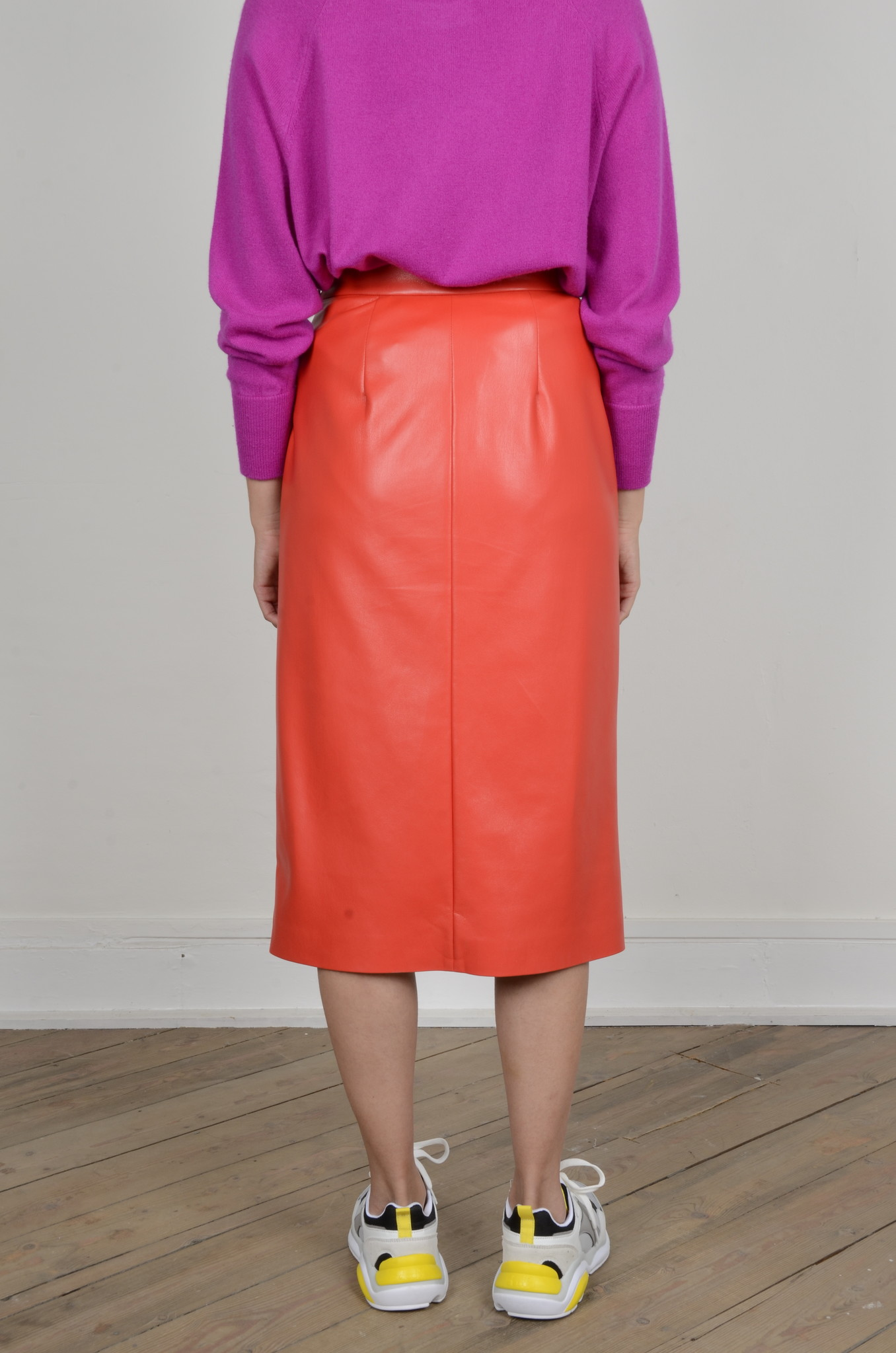 PENCIL SKIRT IN ECO LEATHER-3