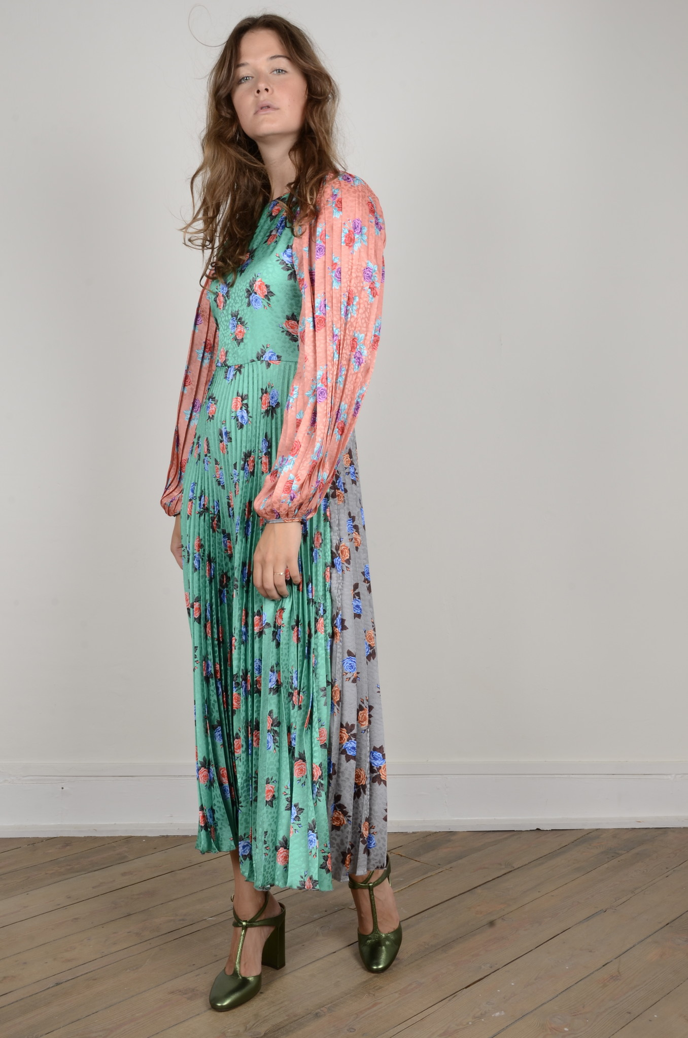PLEATED FLORAL DRESS-4