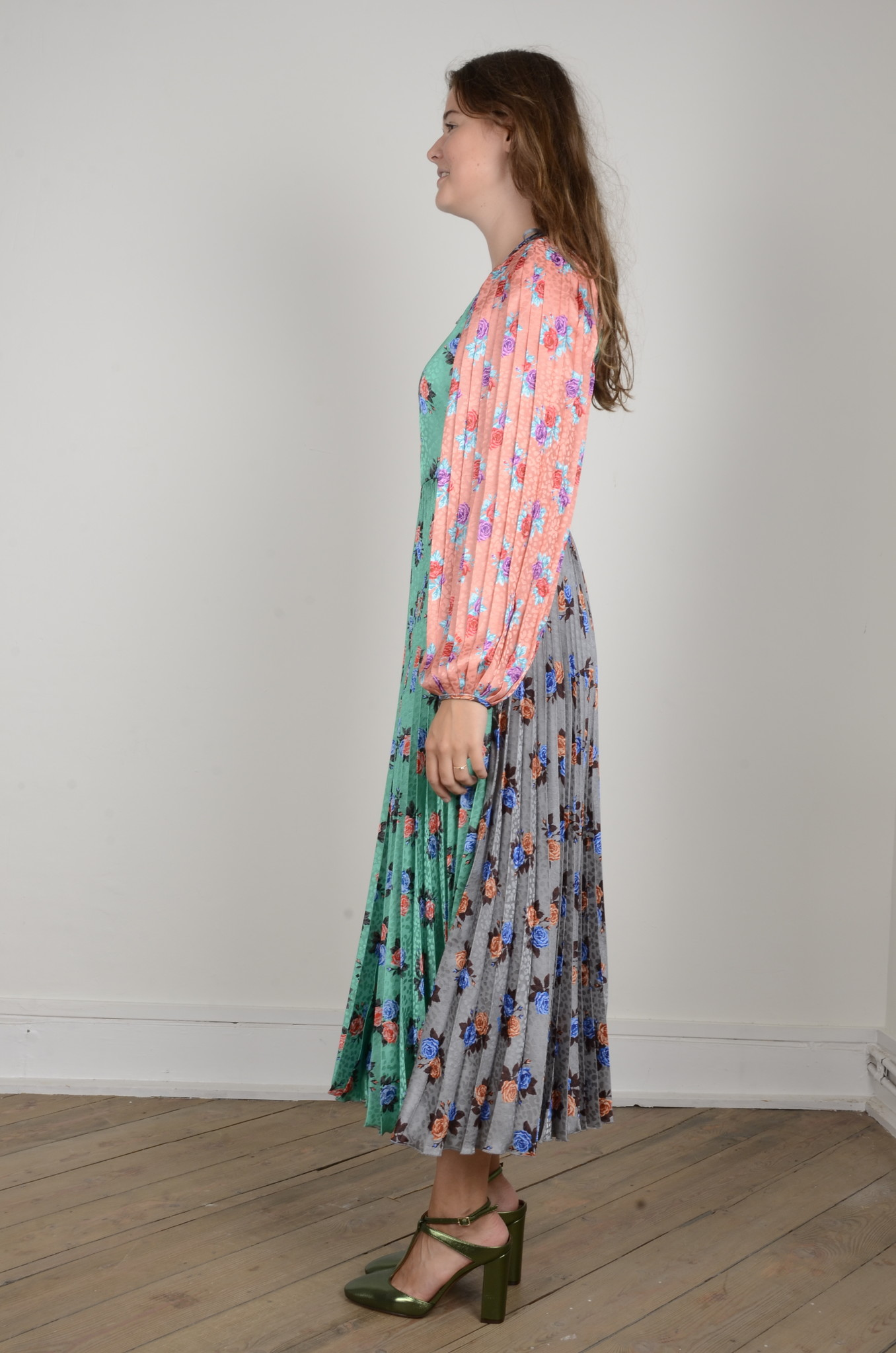 PLEATED FLORAL DRESS-2