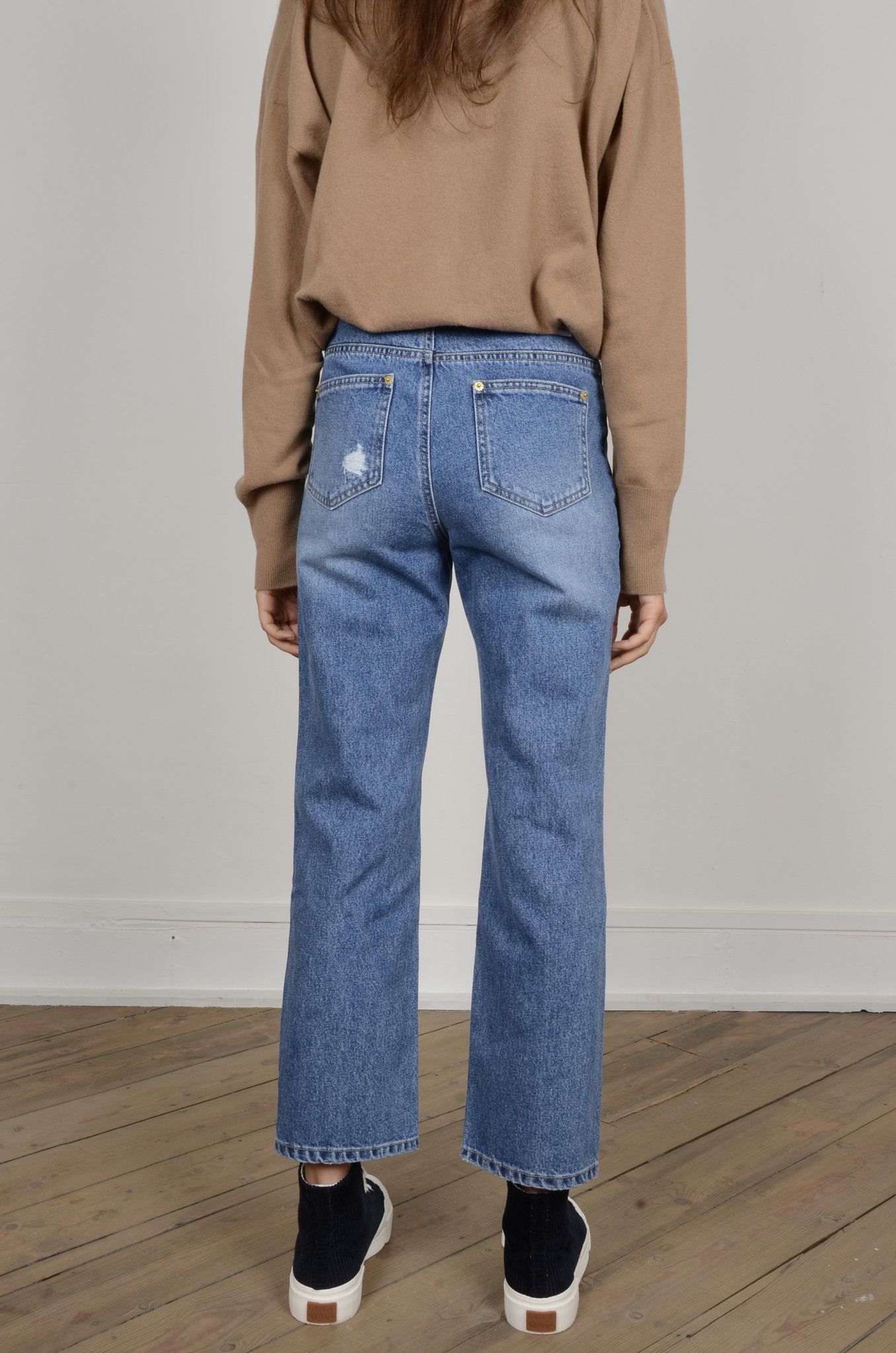 DISTRESSED JEANS-3