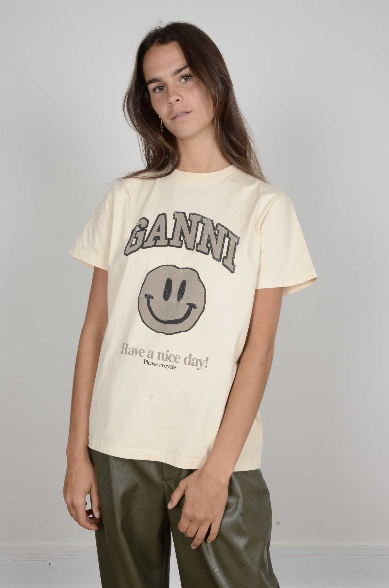 SMILEY TEE IN BRAZILIAN SAND-1