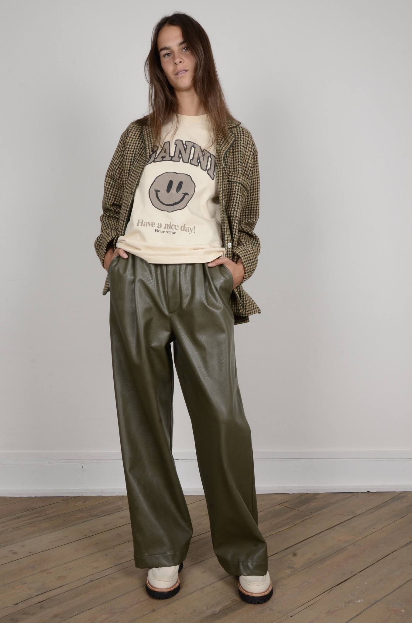VEGAN LEATHER TROUSERS-6