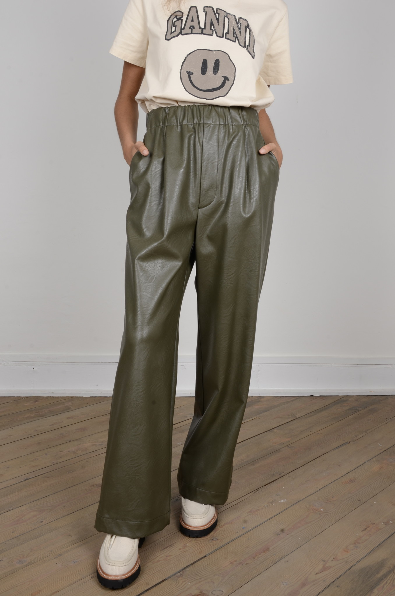 VEGAN LEATHER TROUSERS-5