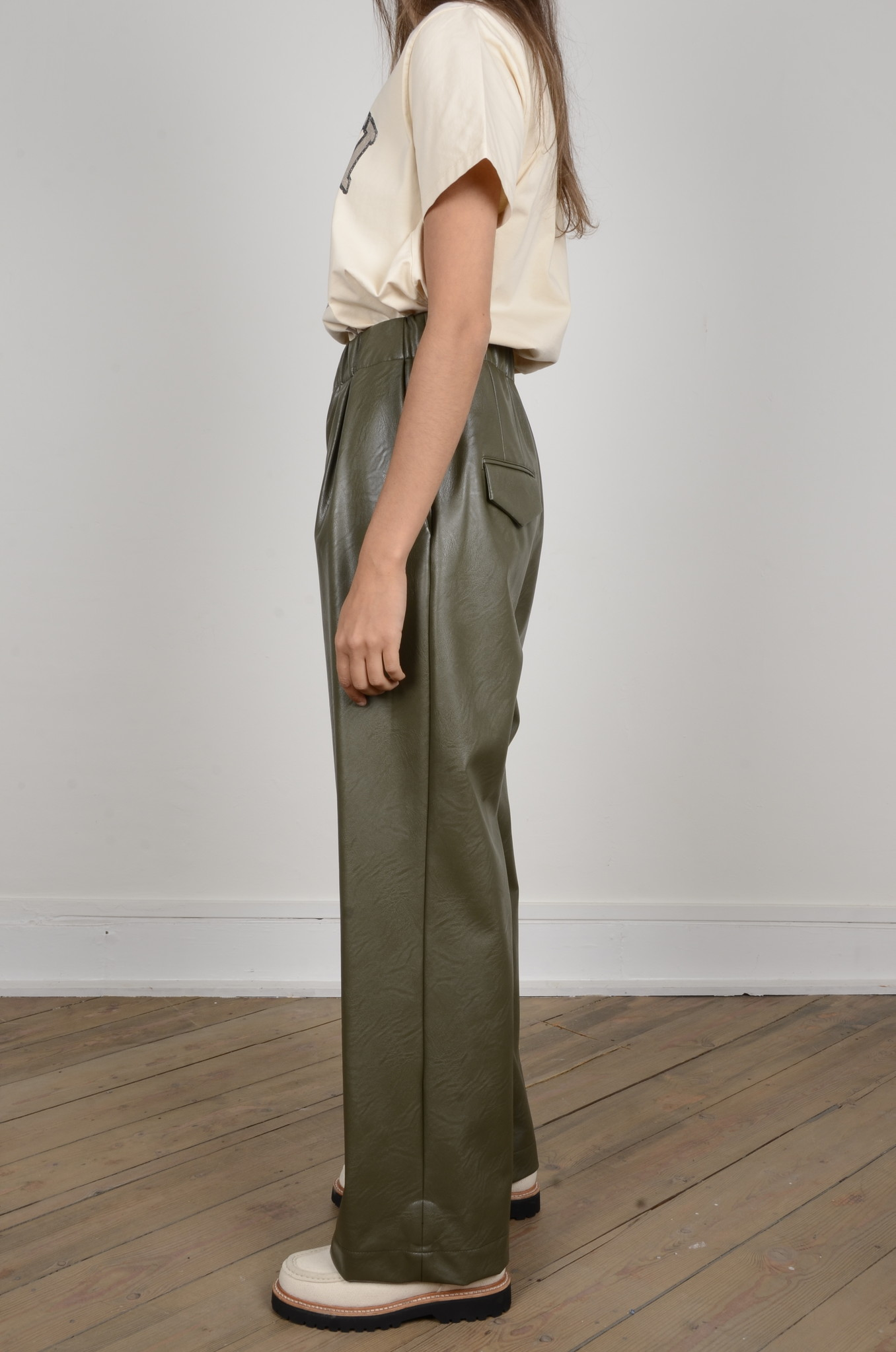 VEGAN LEATHER TROUSERS-2