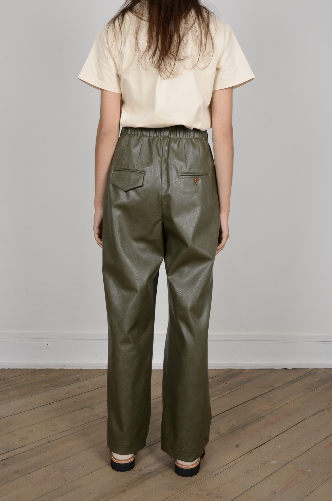 VEGAN LEATHER TROUSERS-3