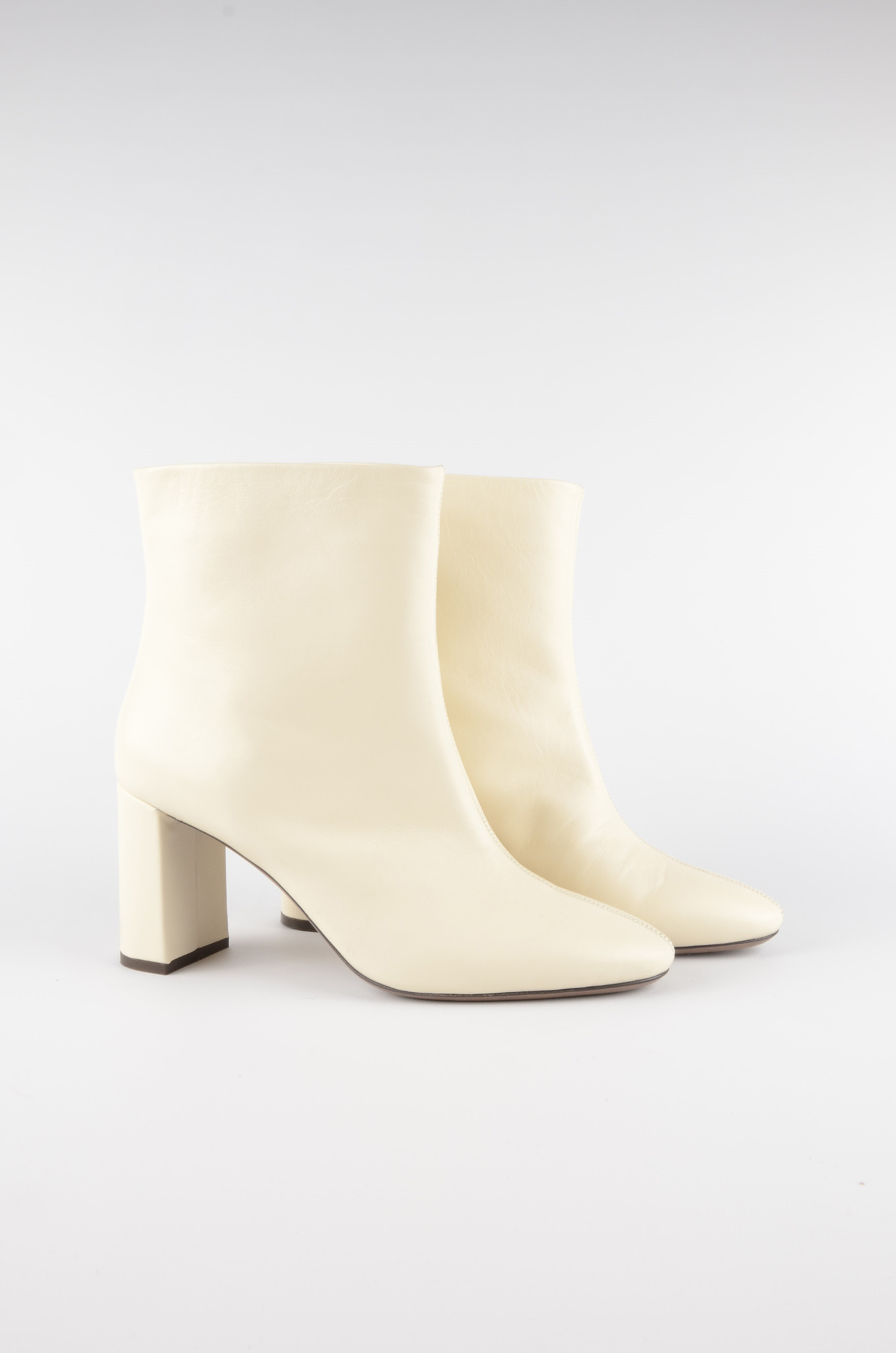 ANKLE BOOTS IN MILK-3