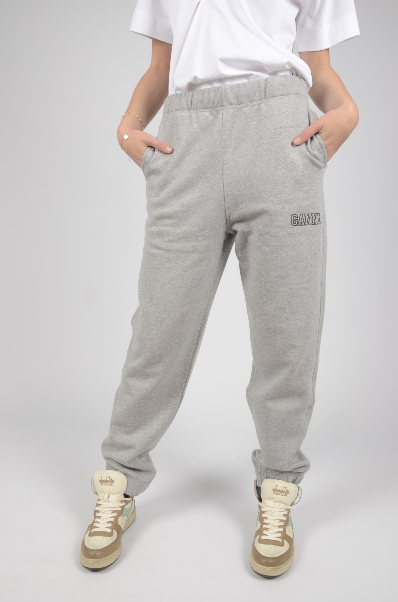 SOFTWARE ELASTICATED JOGGINGS-1