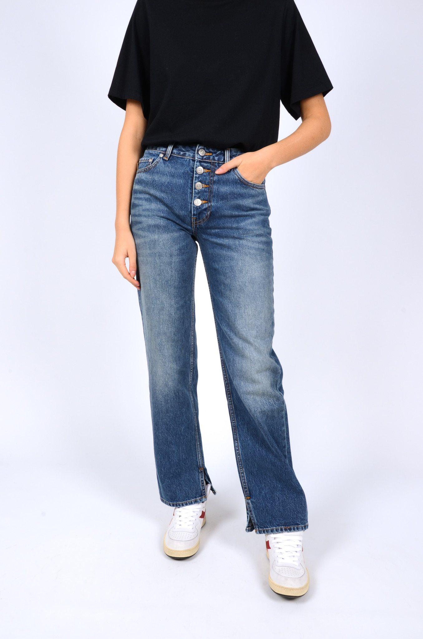 MID WAIST RELAXED FIT JEANS-6