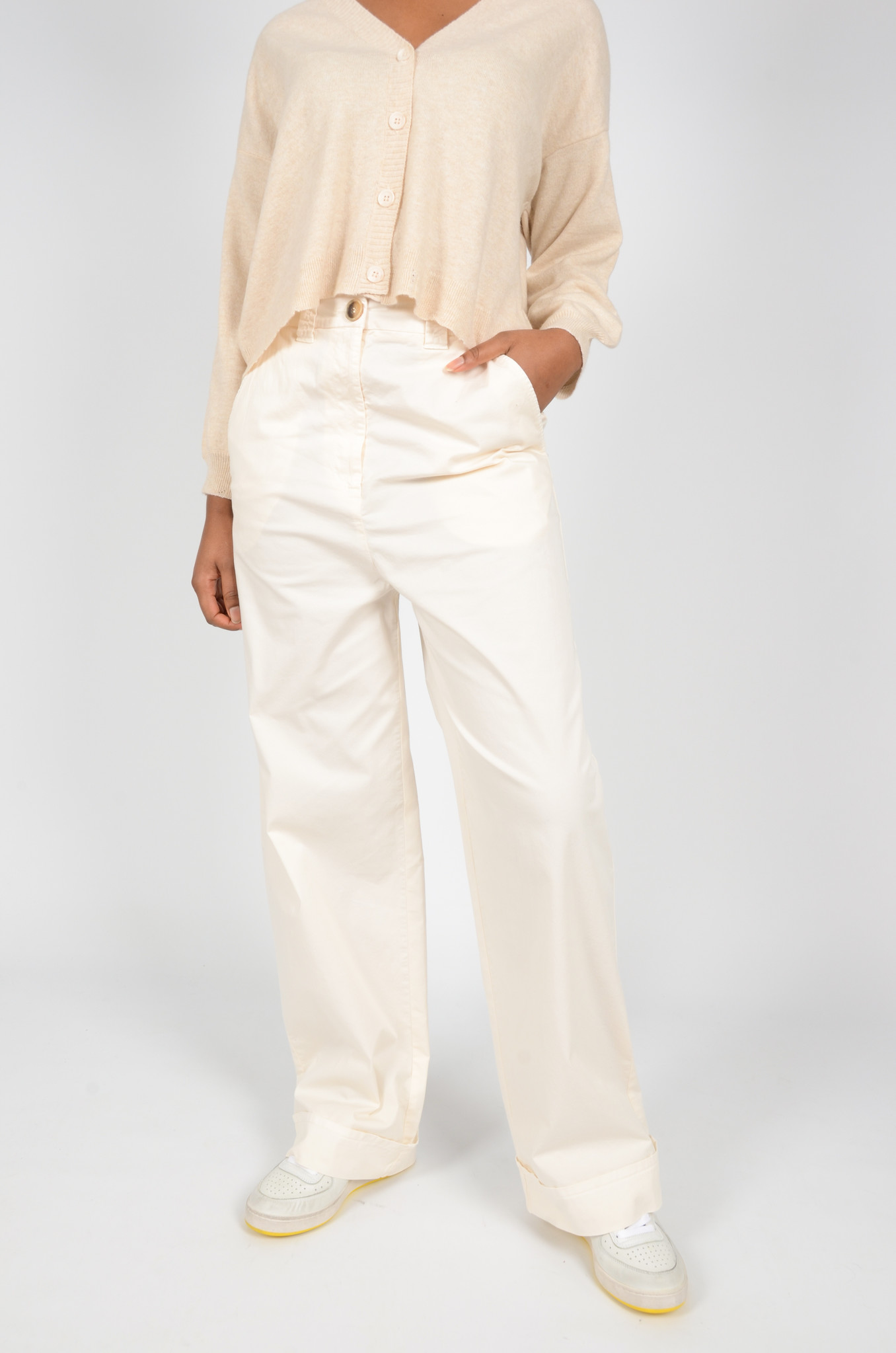 WIDE TROUSERS IN CREAM-1