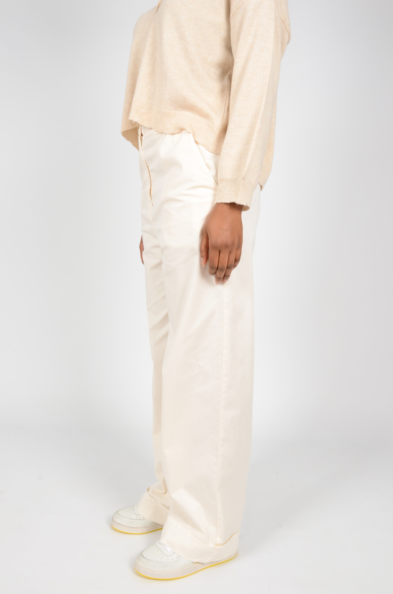 WIDE TROUSERS IN CREAM-3