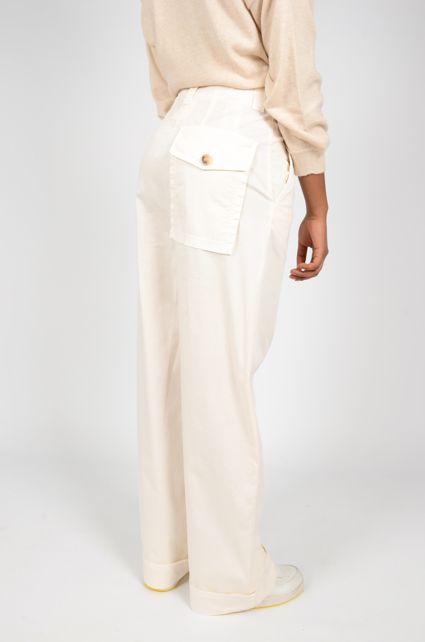 WIDE TROUSERS IN CREAM-4