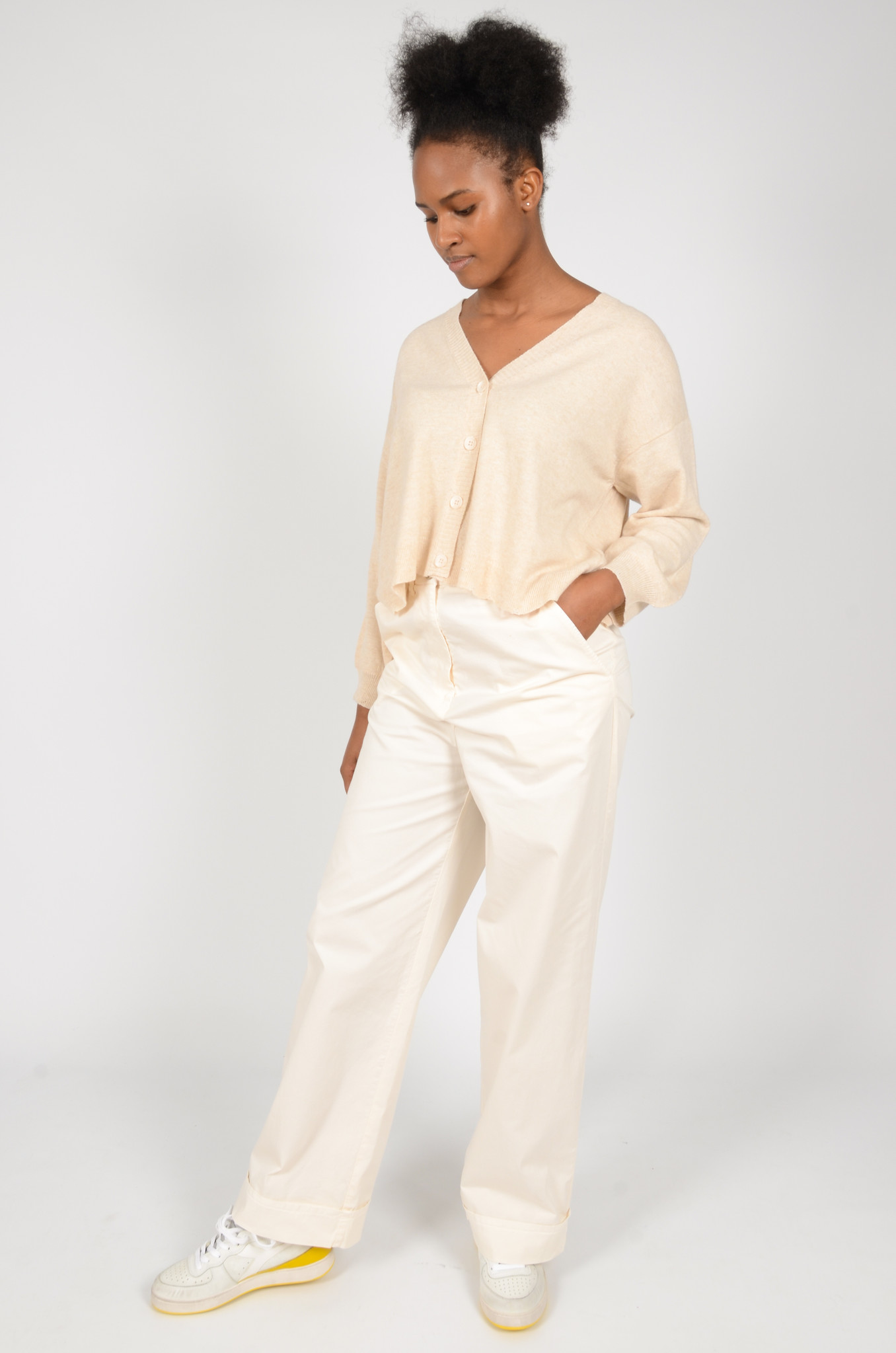 WIDE TROUSERS IN CREAM-5